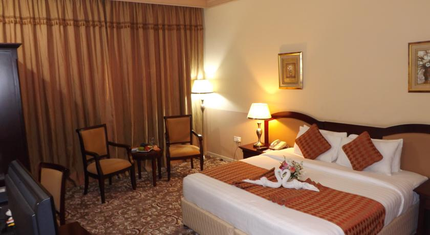 Апартаменты отеля City Hotel