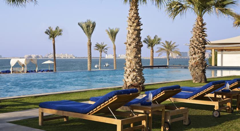 Пляж при отеле Hilton Dubai Jumeirah Beach