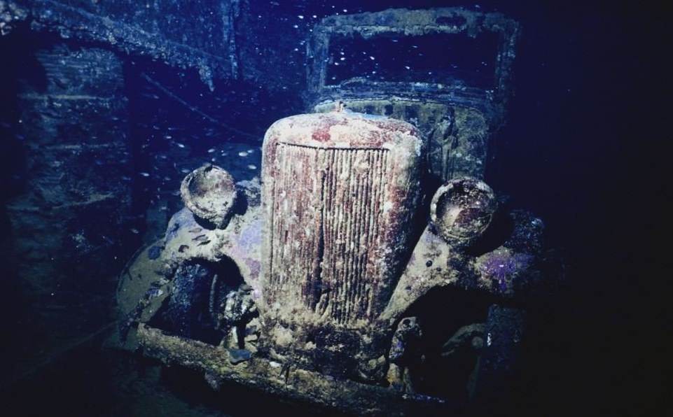 Подводное кладбище автомобилей. Акулий остров.