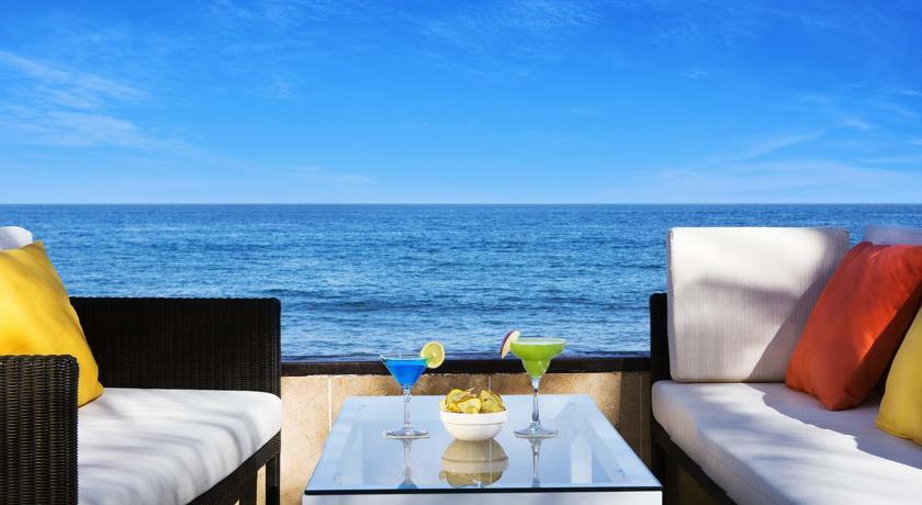Прекрасный вид на море с пляжа при отеле Hilton Fujairah Resort