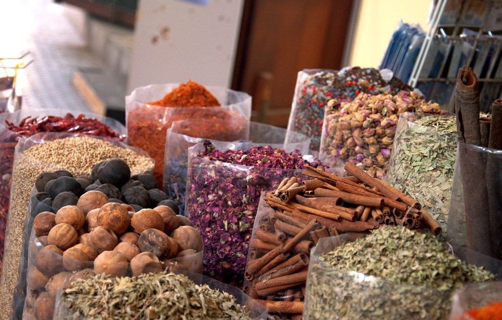 Разнообразие специй на рынках в Дубае
