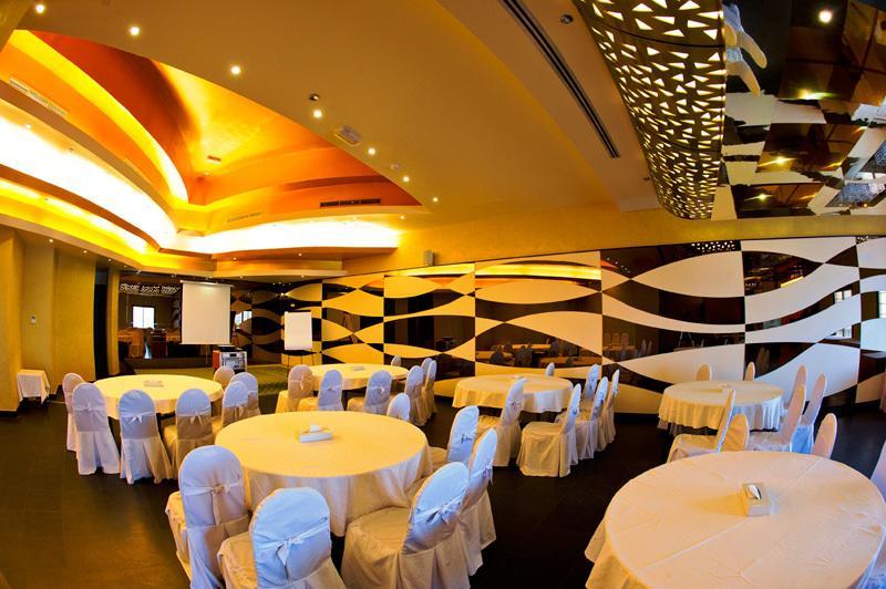 Ресторан в отеле Barracuda Beach Resort