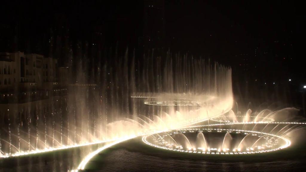 Танцевальный фонтан в Дубае