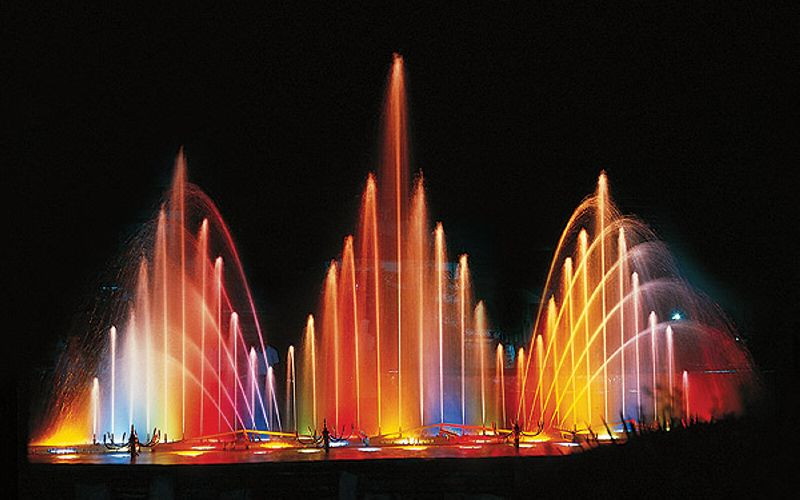 Стометровый фонтан