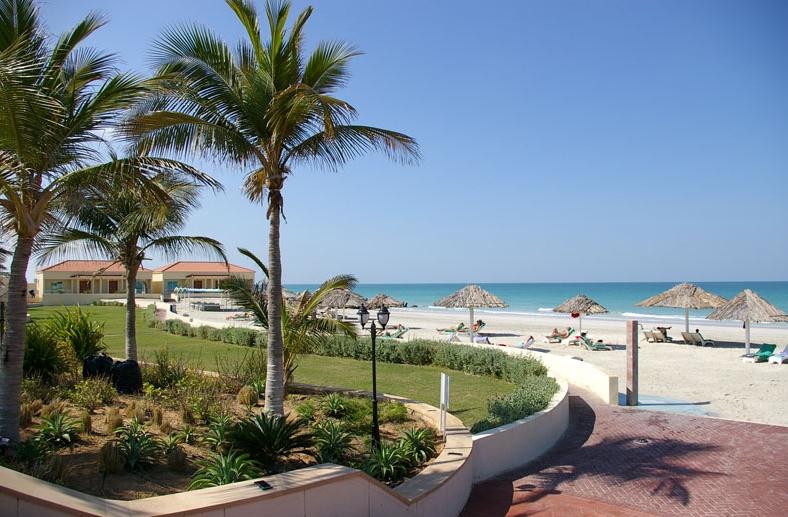Теплые пляжи Умм-аль-Кувейна