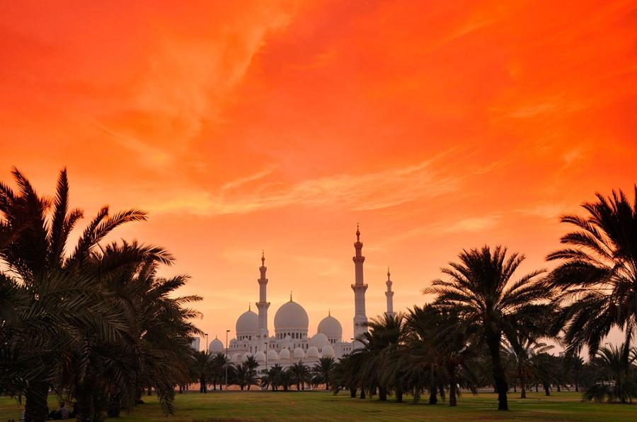 Величественный вид мечети шейха Заеда