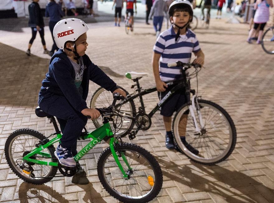 Велопрогулка на набережной Корниш