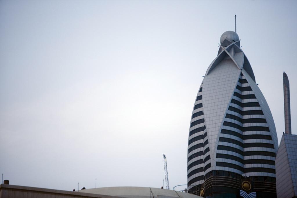 Вершина отеля Rose Tower