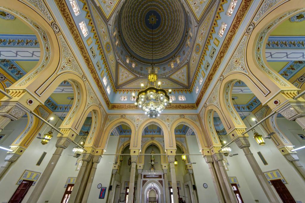 Внутри мечети Джумейра